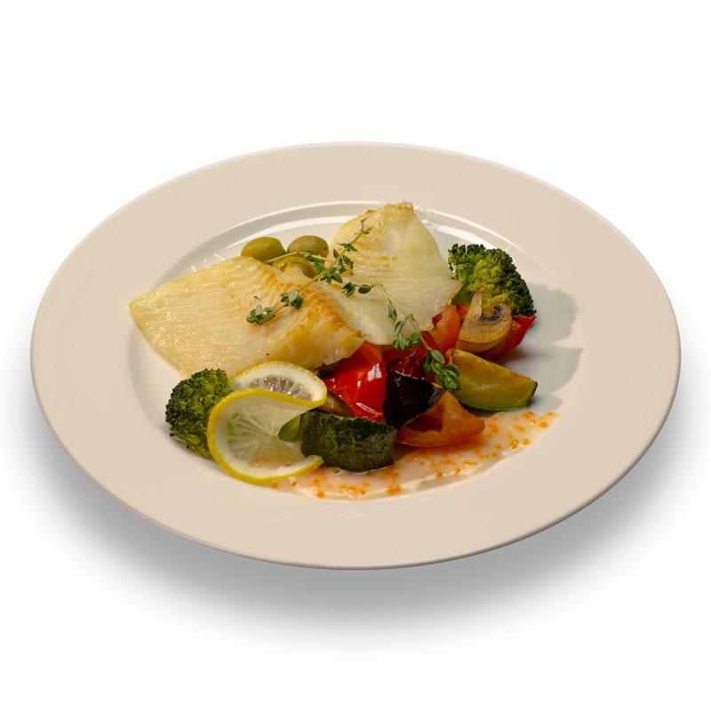 Запеченое филе белой рыбы с  соусом терияки и соте из овощей